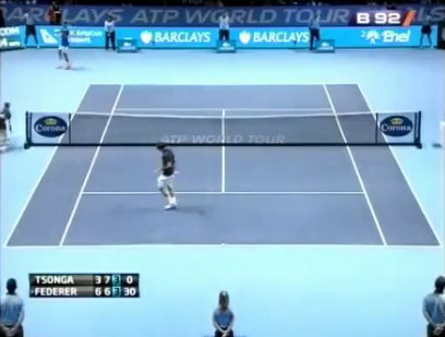 Federer-danh-bong-vao-goc