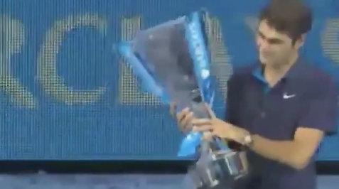 Federer-nang-Cup