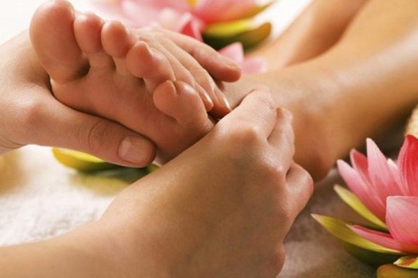 đoán bệnh qua bàn chân