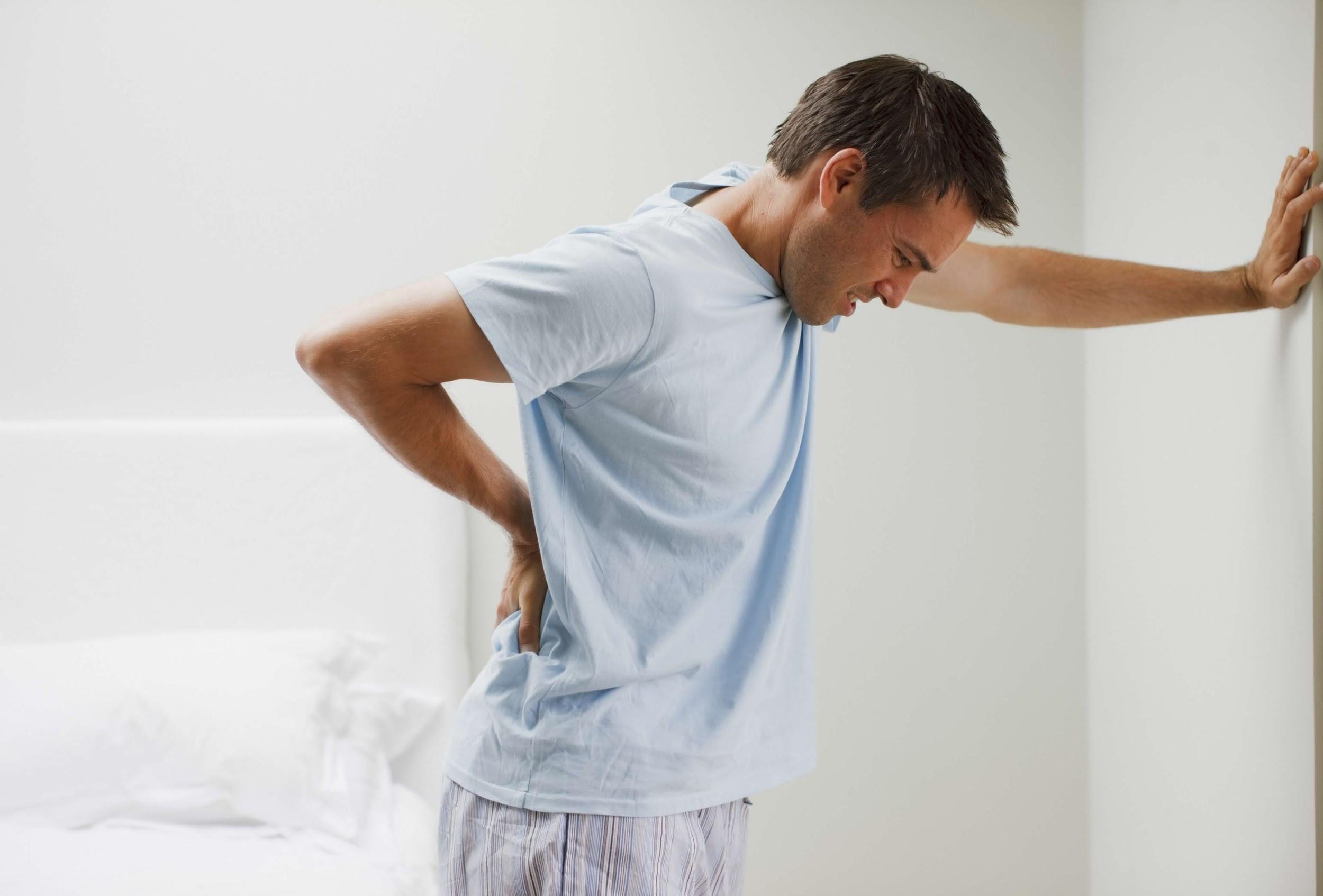 triệu chứng viêm cột sống